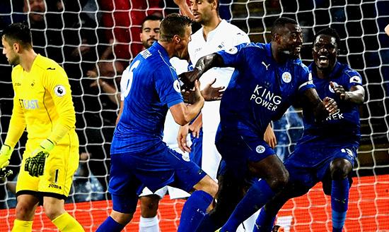 Leicester City Harus Membangun Skuad Yang Kuat Untuk Musim Ini